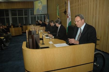 Gil Loescher ministra seminário sobre refugiados, no Tribunal Superior do Trabalho em Brasília. (Foto: Antônio Pureza/ASCS-TST)